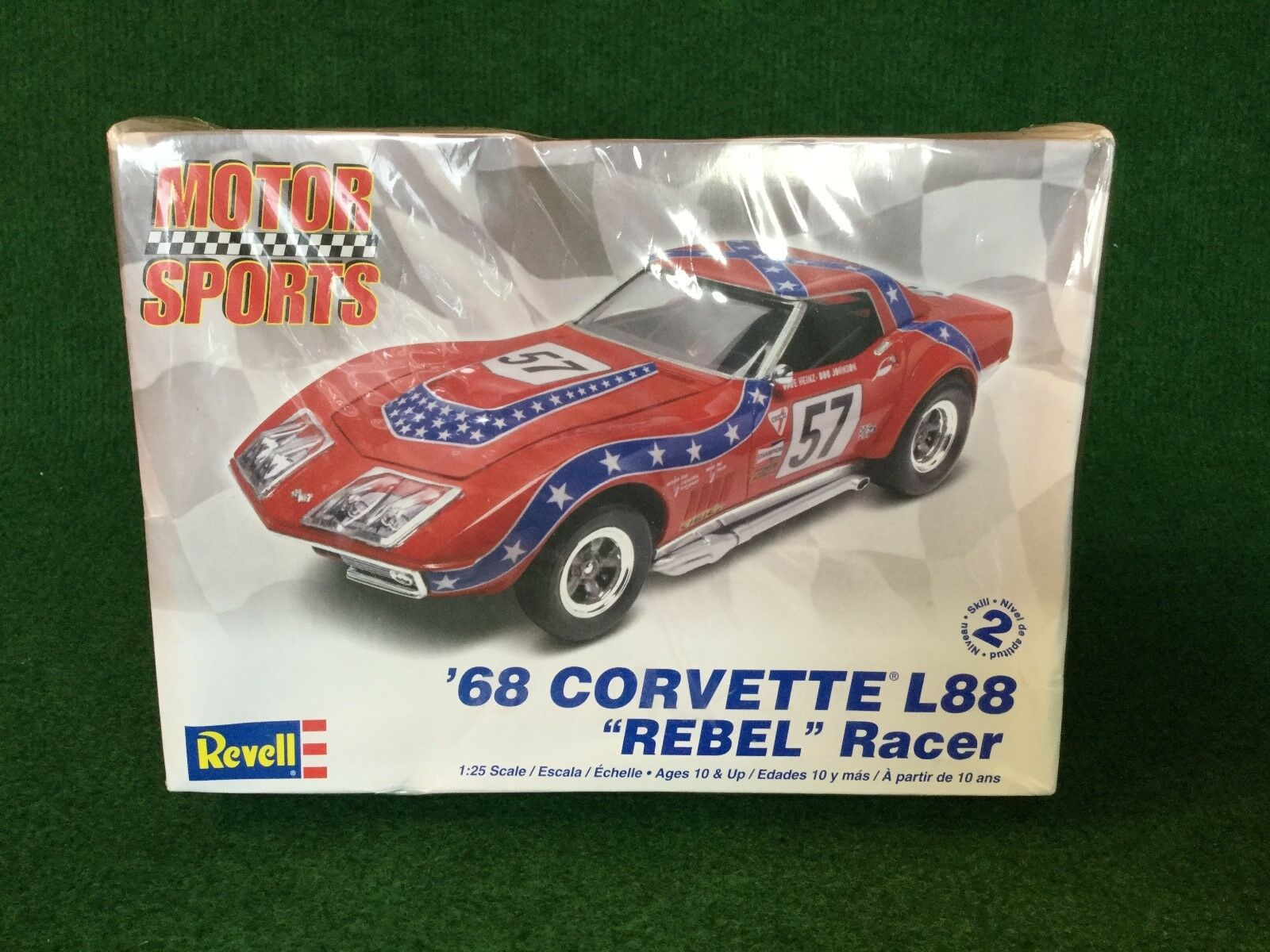 Revell Motor Sports '68 Corvette L88  Rebel Racer  Model Kit 1 25 Boxed
