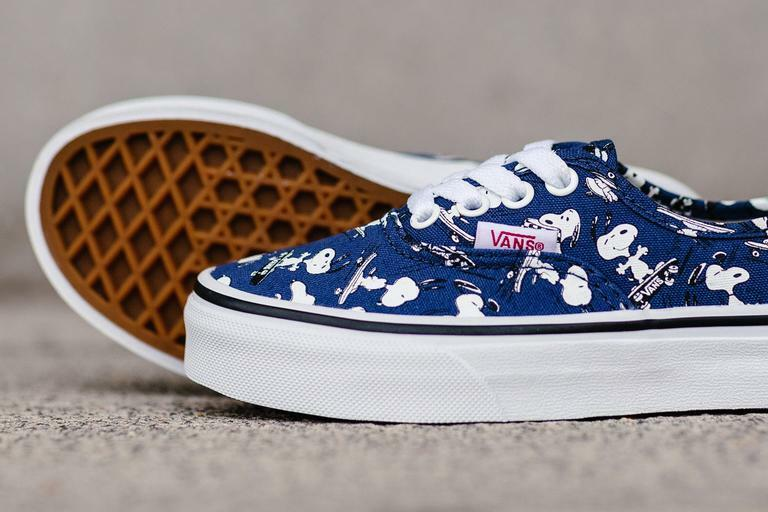 Skating Blanc Navy Snoopy Peanuts Authentic Vans IwXPq45