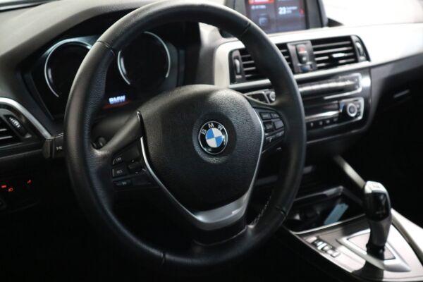 BMW 118i 1,5 Connected aut. - billede 3