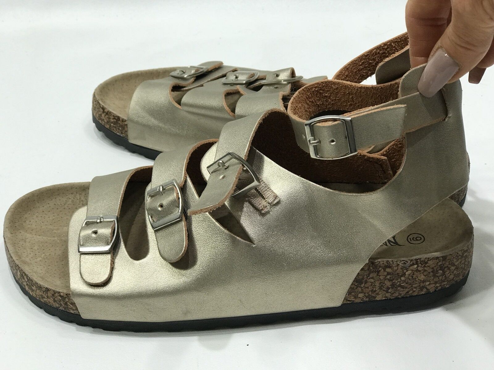 50d06645ad84 ...  155 EASTLAND HICKORY 1955 1955 1955 Tan Beaded Designer Toe Loop Flat  Sandals 6 0a3d26 ...