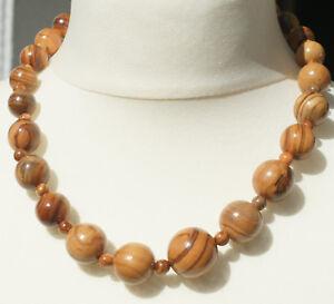 Halskette-aus-handgefertigtem-Olivenholz-034-274-034-Schmuck-Kette-Natur-Perlenkette