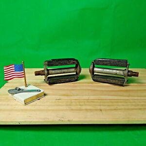 Vintage 1964 Schwinn Bow Tie Bicycle Pedals Made in Germany. WALD 7146