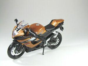 Modelo-de-moto-1-12-Suzuki-GSX-R-1000-metalizado-bronce-negro-maisto