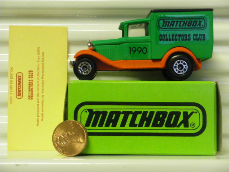 MATCHBOX COLLECTORS CLUB 1990 MB38 Ford Van Without  SUPERFAST  on Base Mint Bxd