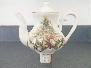 Hand Painted Christmas Tree Decorator Porcelain Tea Pot