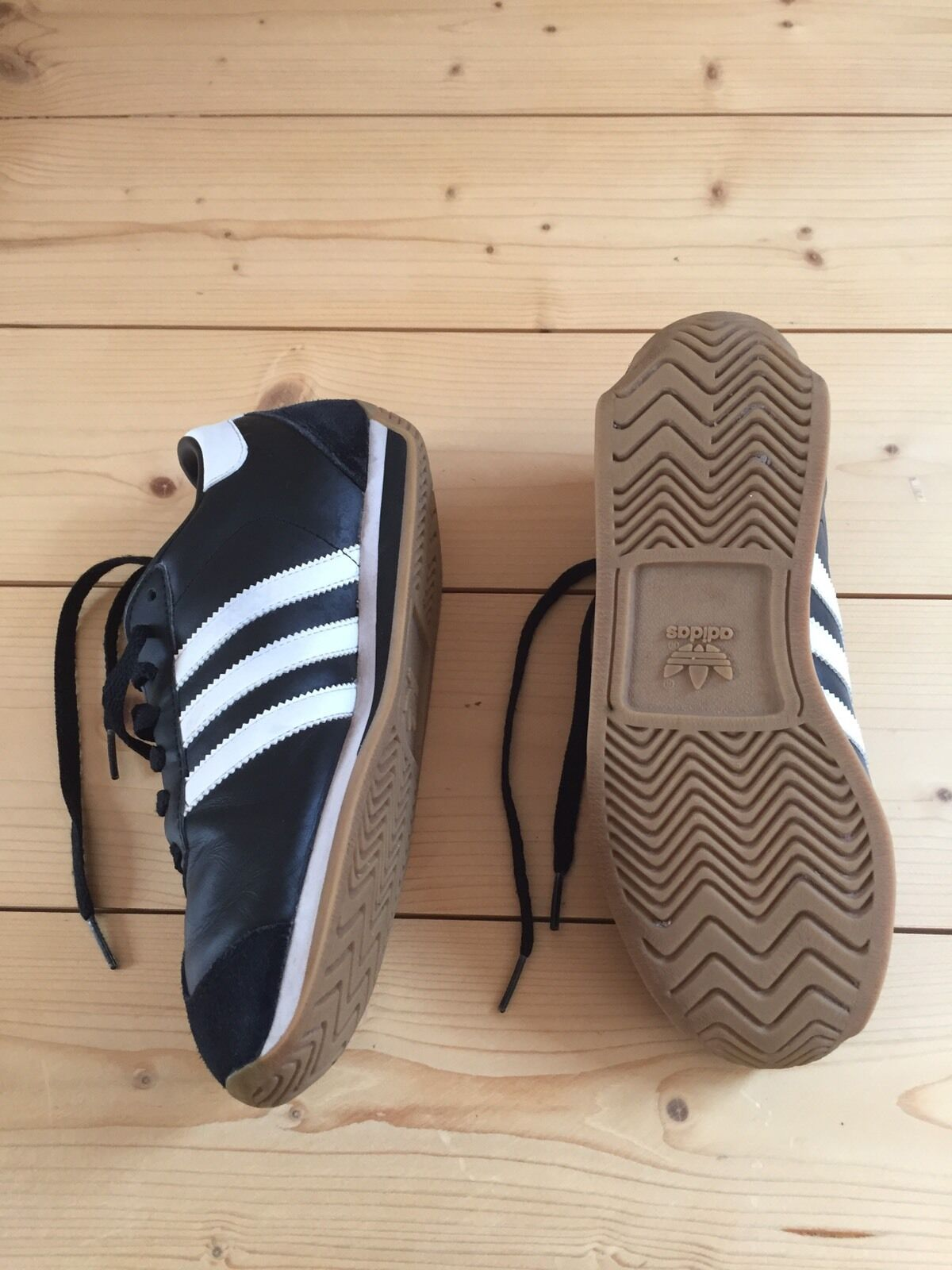 Schuhe II Adidas Country II Schuhe schwarz weiß Gr. 37 1/3 G02379 9f41d1
