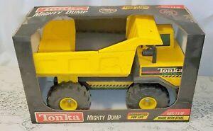 1997 Tonka Mighty Dump Truck 768 Pressed Steel RARE 93901 Old Stock