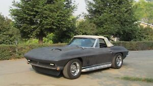 1965-Chevrolet-Corvette-Convertible