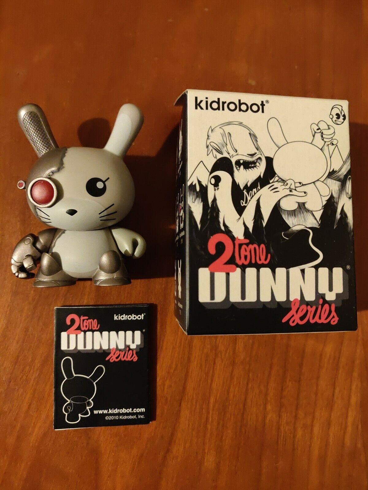 "3/"" Dunny par chuckboy 2 Tone Series Cyborg Terminator Kidrobot"