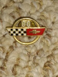 1986-CORVETTE-HAT-PIN-LAPEL-PIN-TIE-TAC-CHEVY-CROSSED-FLAGS-GM-DELCO-REMY