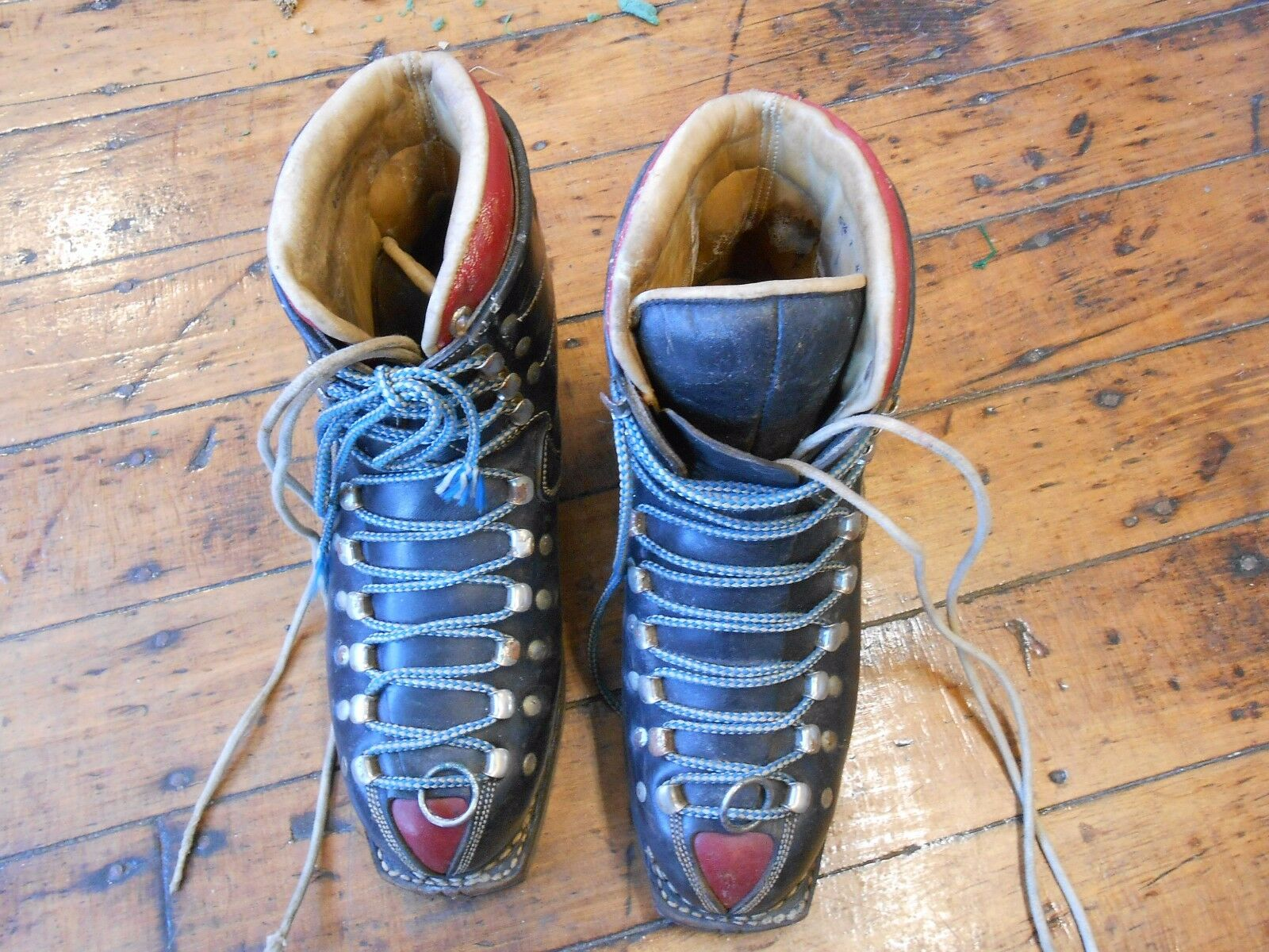 Vintage Koflach downhill ski boots - youth