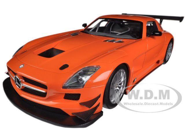 2011 MERCEDES SLS AMG GT3 rue VERSION Orange 1  18 BY MINICHAMPS 151113105  les dernières marques en ligne