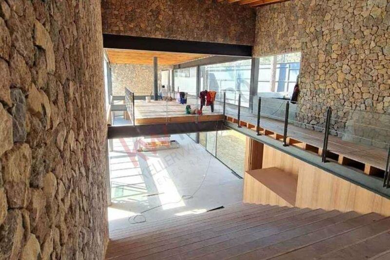 Casa nueva de espectacular arquitectura moderna en Avándaro