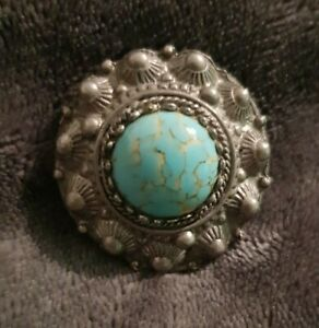Vintage-Brooch-pin-Scottish-Celtic-Turquoise-Glass-dome