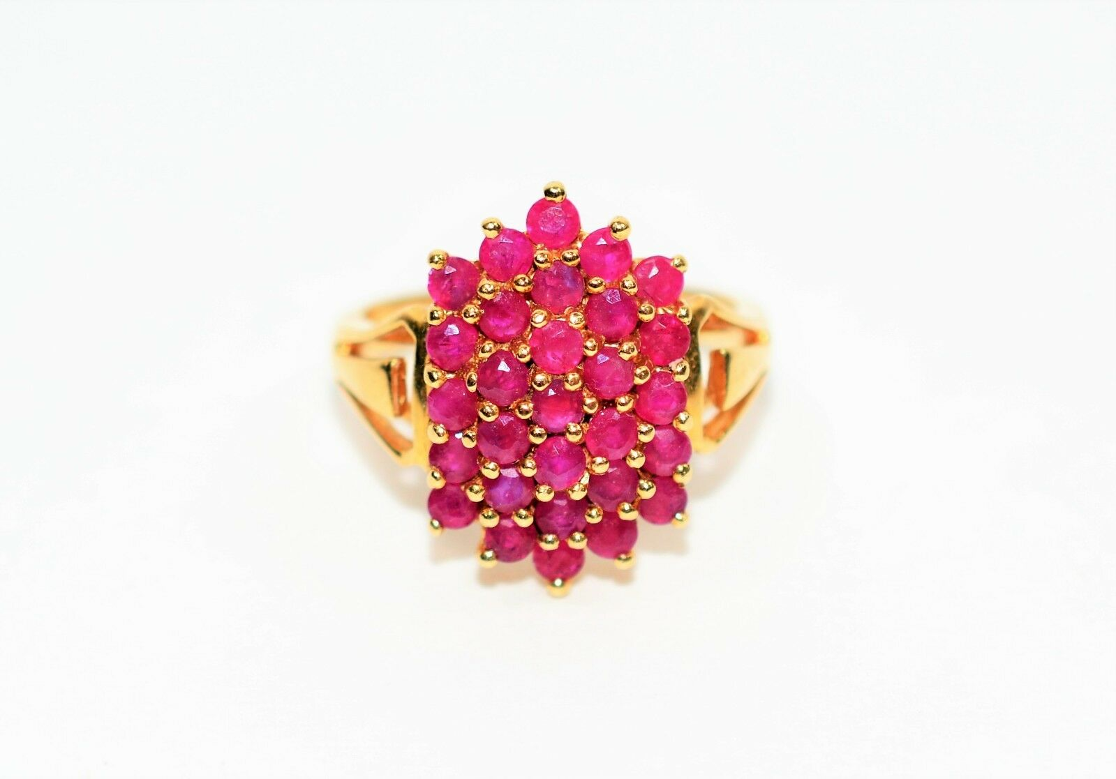 Cluster Masterpiece 1tcw Ruby 14kt Yelow gold Ring