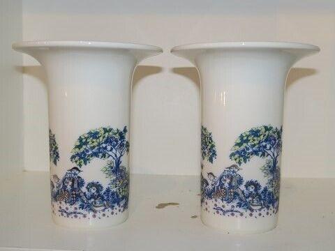 Porcelæn, Bjørn Wiinblad  Vase med familien i haven,