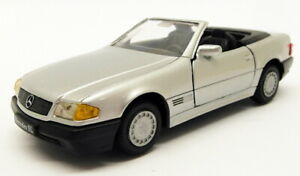 Gama 1/43 Scale Model Car 1137 - Mercedes Benz SL Coupe - Silver