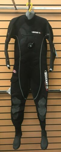 various sizes available. Brand-new Beuchat Iceberg 6.5mm drysuit
