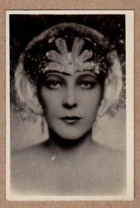 2-Norway-1928-Sarony-National-Types-of-Beauty-tobacco-card