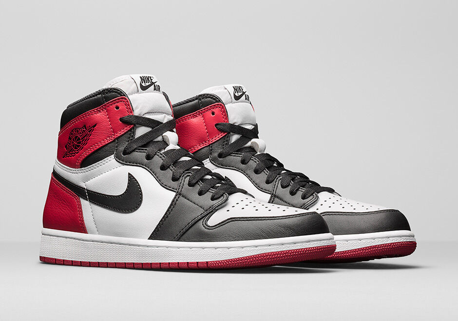 2016 Nike Air Jordan 1 Retro High OG Black Toe Size 14. 555088-125 bred royal