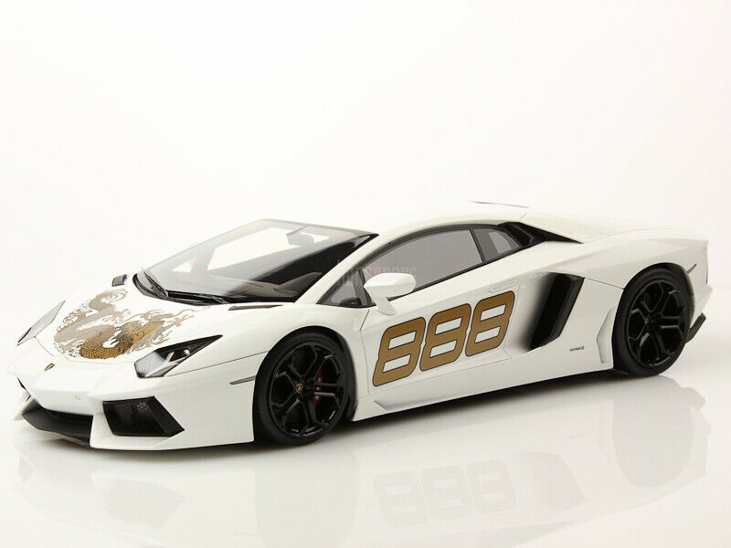M. models LAMBORGHINI Aventador LP 700-4 blanc Monocerus Dragon 888 Limited