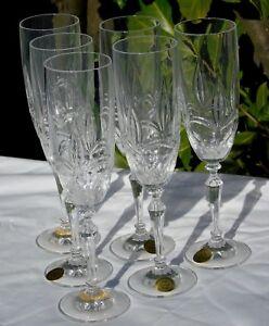 Service-de-6-flutes-a-champagne-en-cristal-Les-grands-ducs
