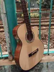 used-acoustic-guitar