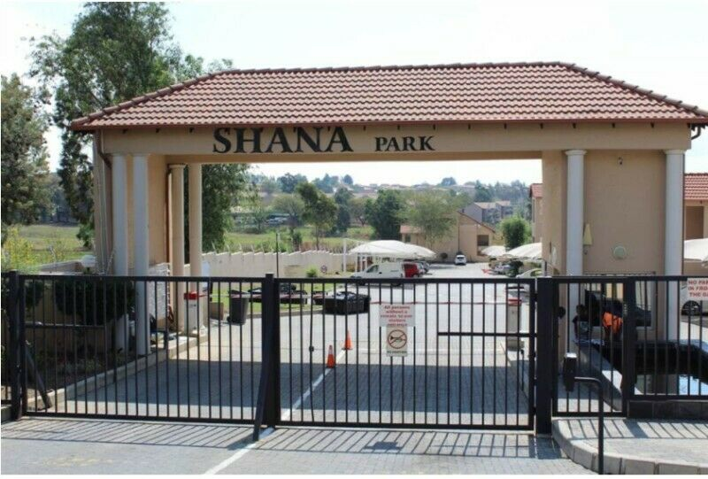 3 bedroom apartment to share in Shana Park, a secured complex with 24h security. R3300 per room.
