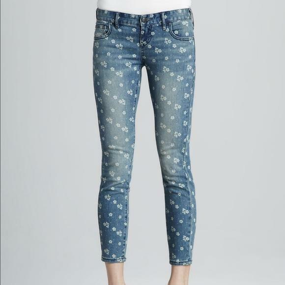 Free People Ditsy Floral Jeans NEW  31 printed flowers capri