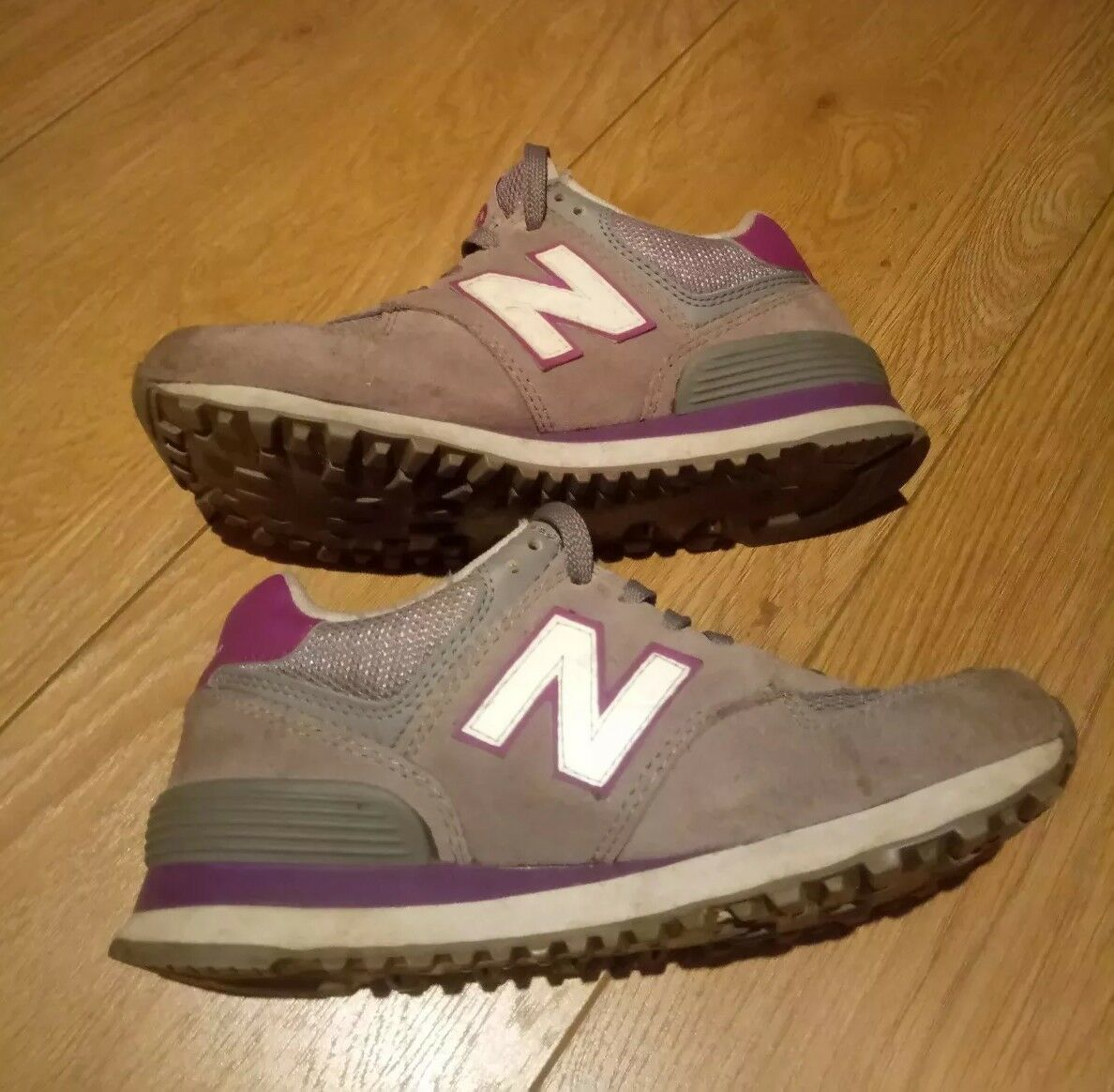 New Balance Suede and Mesh Stripe Trainers Grey and Purple Size
