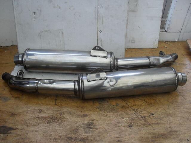 SUZUKI   GSXR1100 K/L/M  '89 / 92  EXHAUST SILENCERS (PAIR) STANDARD. '41C0'