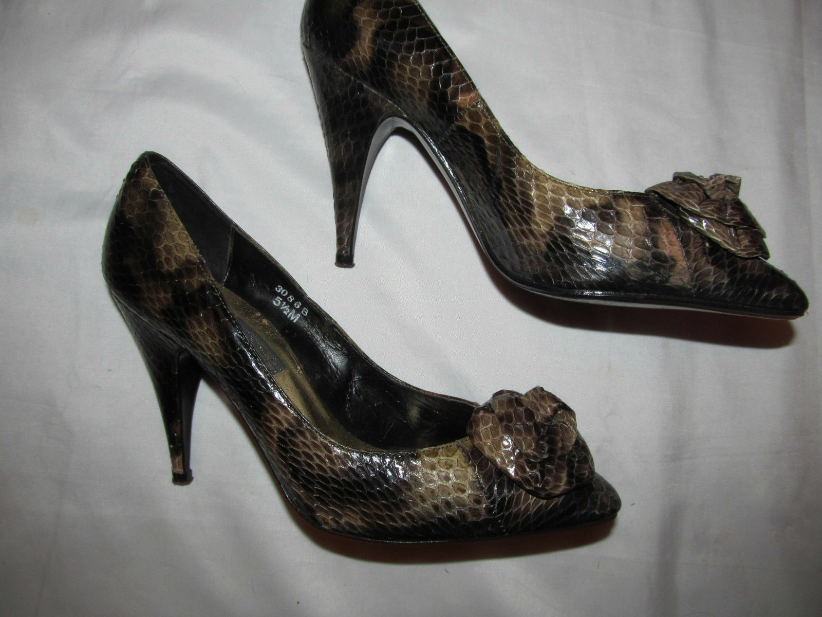 J RENEE snake python leather brown pumps pin up shoes with pinktte front 5.5 m
