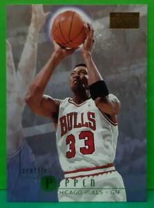 Scottie Pippen regular card 1996-97 Skybox Premium #18