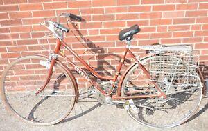 1970-039-s-Schwinn-Suburban-Womens-10-Speed-Bicycle-Root-Beer-Color