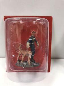 Del Prado 1/32 Figure Fireman W/Rescue Dog - Haiti - 2010 BOM129