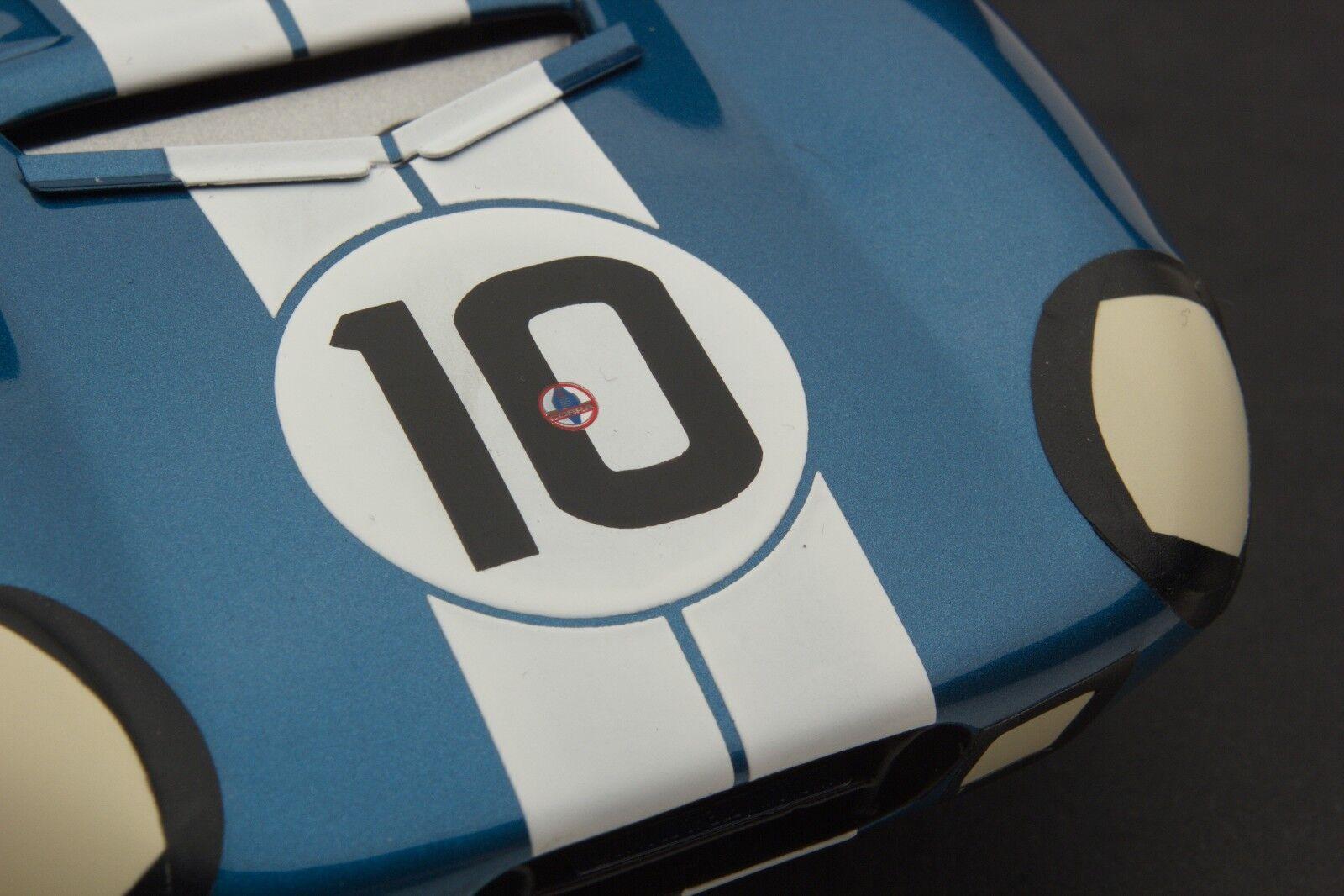 Exoto 1965 Cobra Daytona Coupe Le Mans Coche número 10 1 18  RLG18010B
