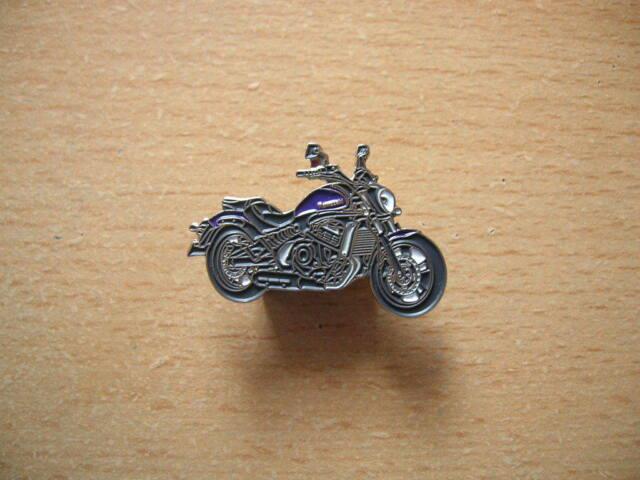 0061 Motorrad Motorbike Moto Pin Anstecker Kawasaki Schriftzug alt old Art