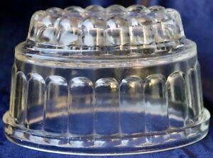 Vintage-Art-Deco-1930-039-s-Depression-Glass-Jelly-Mold-18-5cm-x11-5cm-11-5cm-high