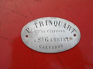 P Trinquart Commerce en chiffons a St Gabriel calvados LO 10 cm Haut 6 cm - France - Petite Plaque P Trinquart Commerce en chiffons a St Gabriel calvados LO 10 cm Haut 6 cm - France