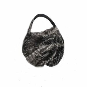 Oversized-Faux-Fur-Winter-Thermal-Fashion-Earmuffs-in-Black-and-White