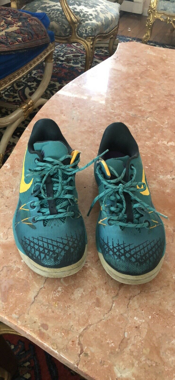 MENS GREEN NIKE ZOOM SNEAKERS SIZE 9