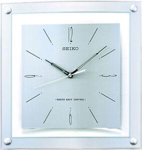 Seiko Wall Clock Radio Controlled Qxr205s Analogue Radio
