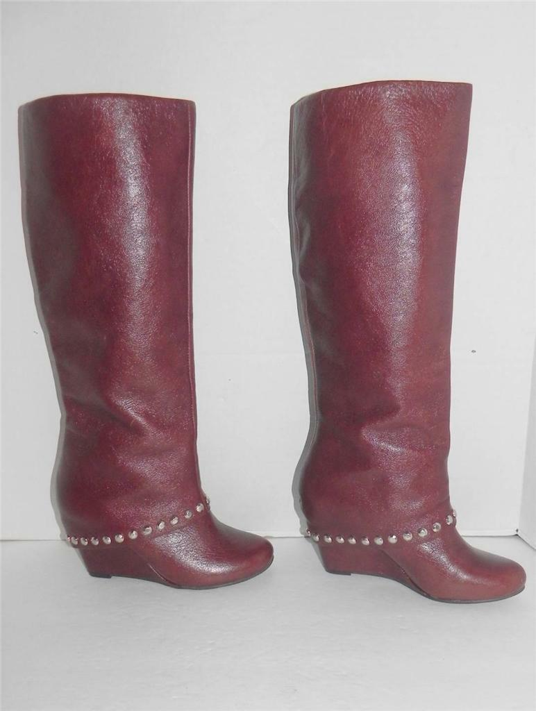 BCBGeneration Walla Bourbon Braun Wedge Studded Fashion Knee High Leder Boot 6