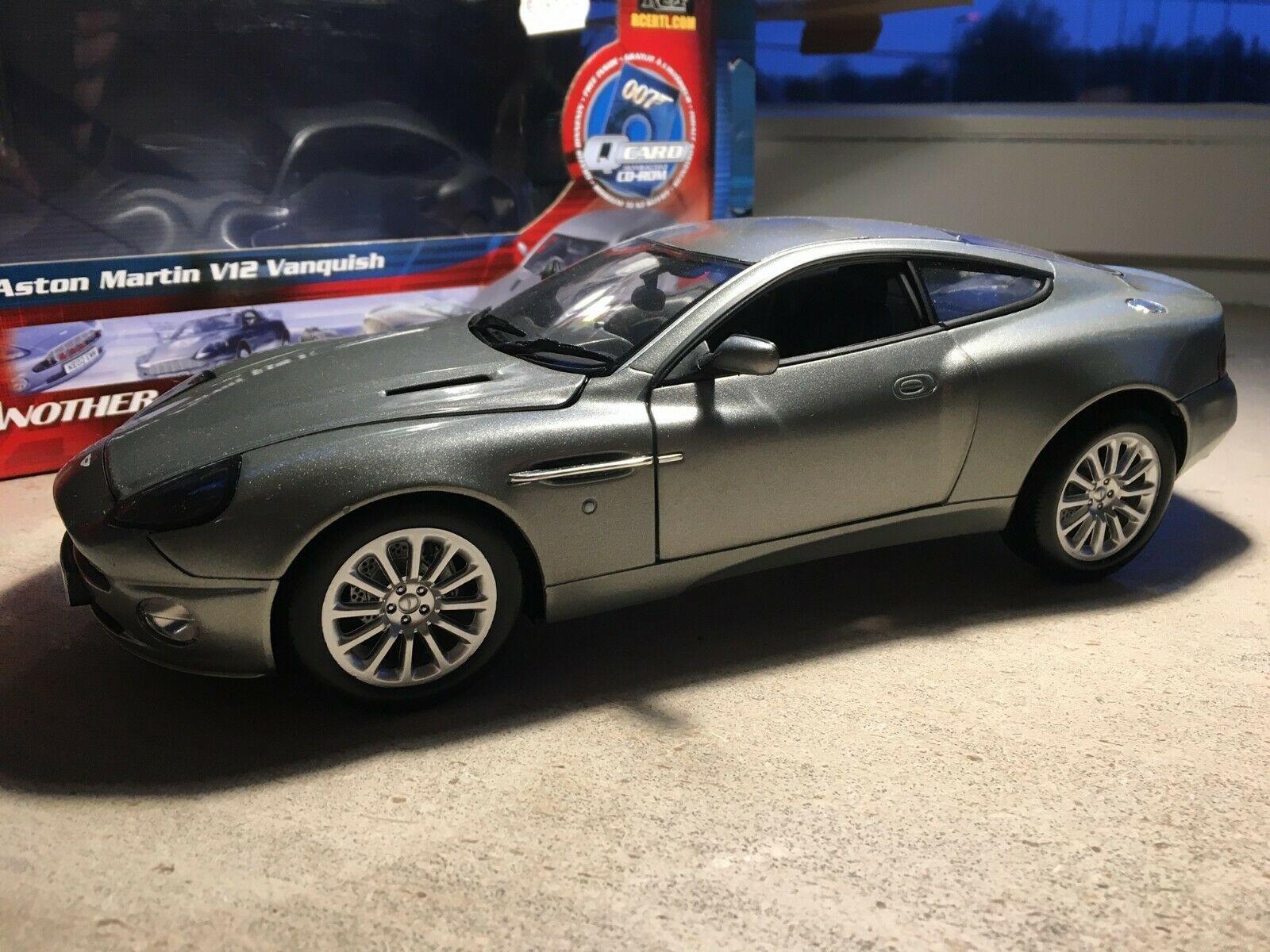 Aston Martin Vanquish james bond die another day 1 18