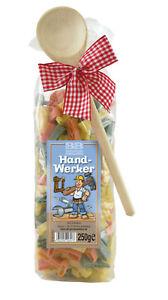 Details zu (€ 2,80 / 100 g) Pasta-Geschenk Handwerker mit Schleife und  Kochlöffel, 250 g