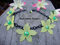 Yellow Lucite Daisy Flower Black Chain Charm Style Bracelet Floral Green Glass