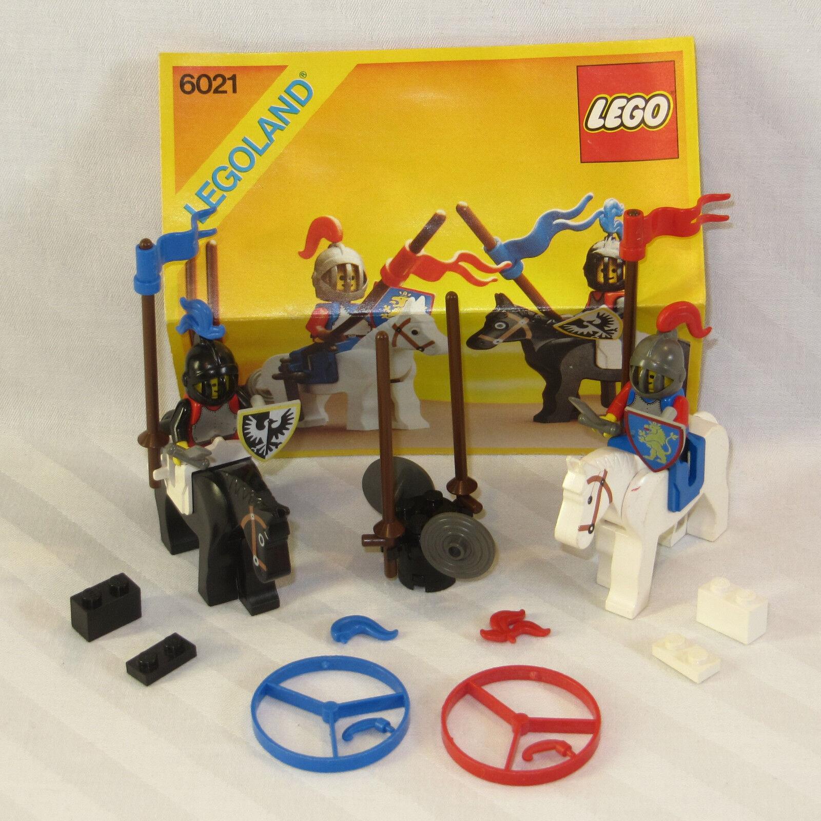 Lego 6021 Moyen  Age Chevalier tournoi (2 chevaliers + chevaux) CASTLE Jousting Knights  vendre comme des petits pains