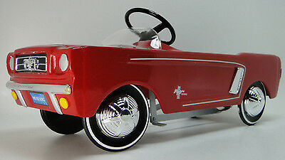 """Pedal Car /""""Too Small For Child To Ride On/"""" Miniature Metal Body Collector Model"""