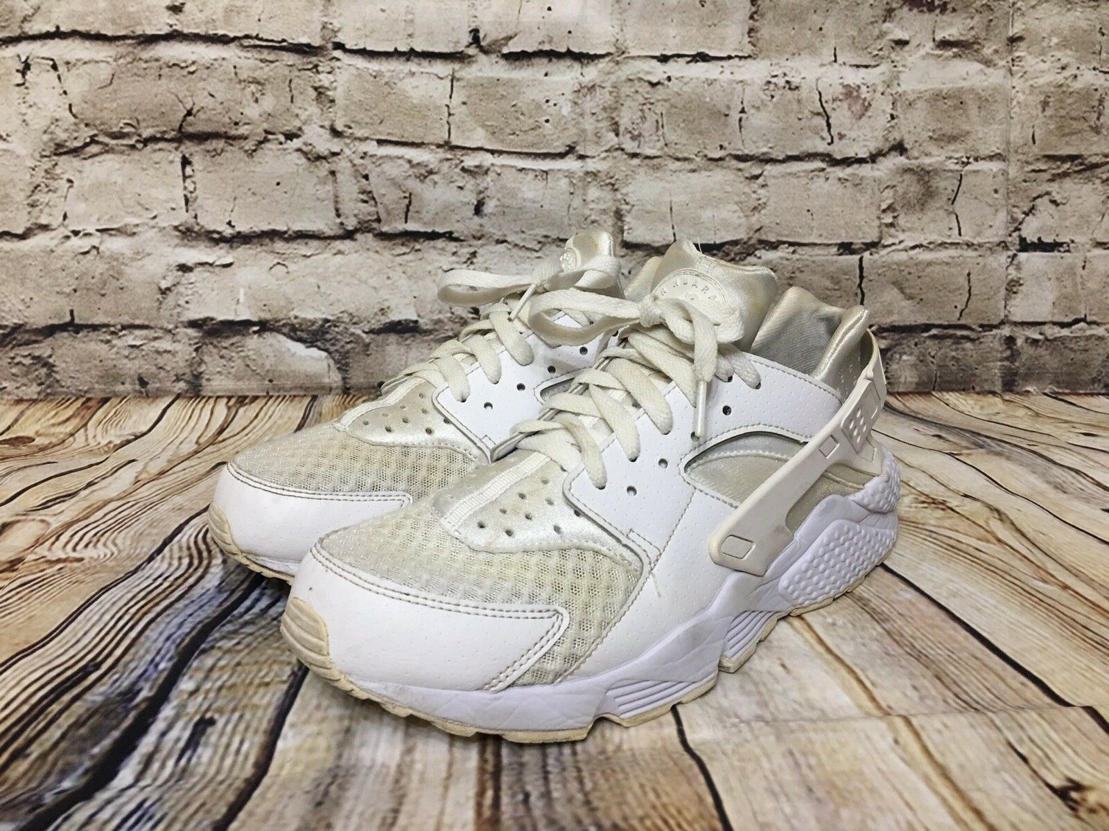7ed539de02e Nike Air Huarache All White Pure Platinum Run 318429-111 Triple White Size  9.5