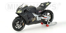 Honda RC211V PreSeason Test Bike Valentino Rossi 2002 1:12  122027946 MINICHAMPS